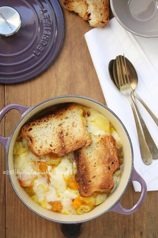Zuppa gratinata di zucca, patate e porri