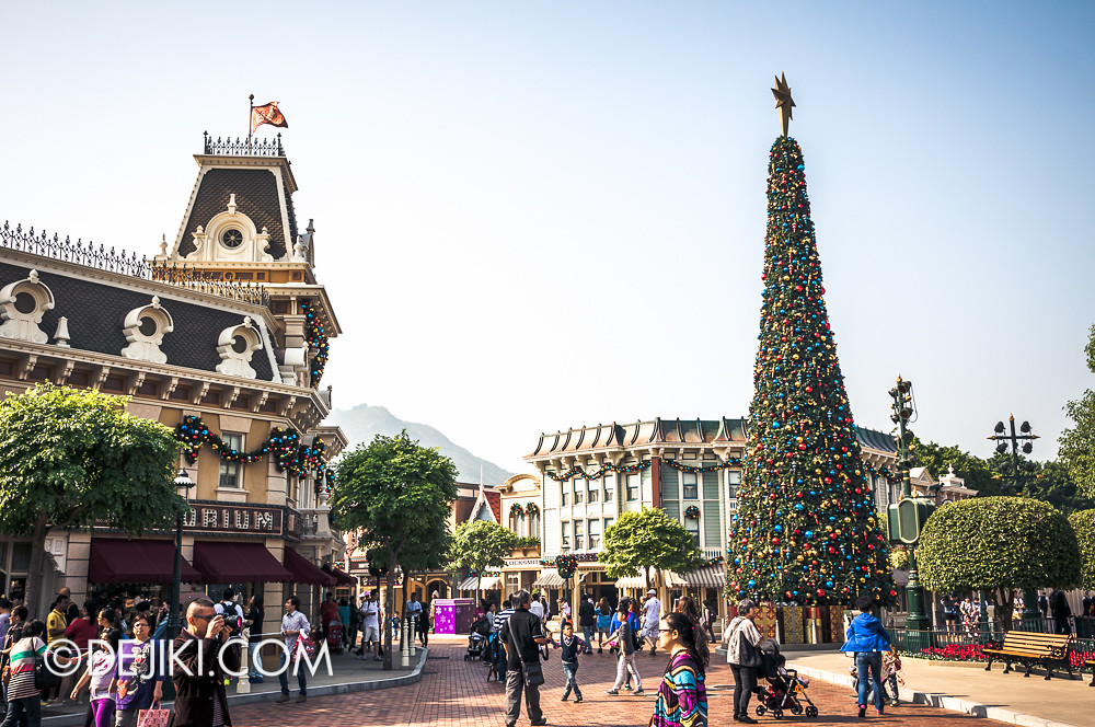 HKDL - Main Street USA Christmas Town - Main Street Circle