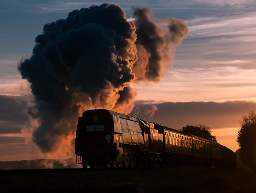autumn sunset heritage pacific trains hampshire steam locomotive railways westcountry watercressline