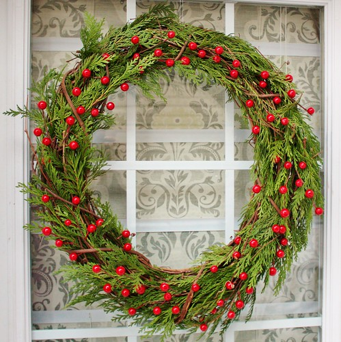 grapevine-and-greenery-christmas-wreath