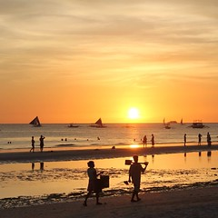 #desiderata... to watch the #sunrise and the #sunset. #boracay #philippines #beach