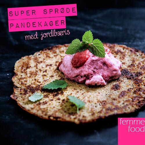 Super sprøde pandekager med jordbæris