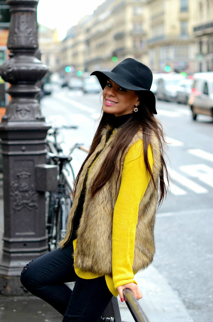 DSC_5222 yellow zara sweater, Myca couture hat, Paris 2resized
