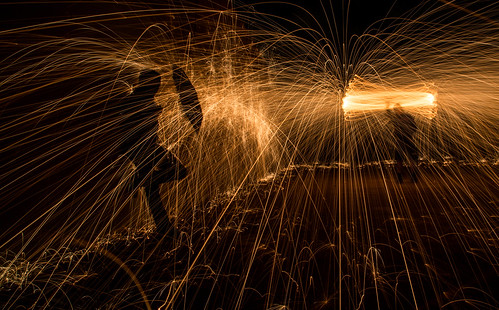 longexposure nightphotography wool night fire photography wire long exposure steel steelwool wirewool firepainting