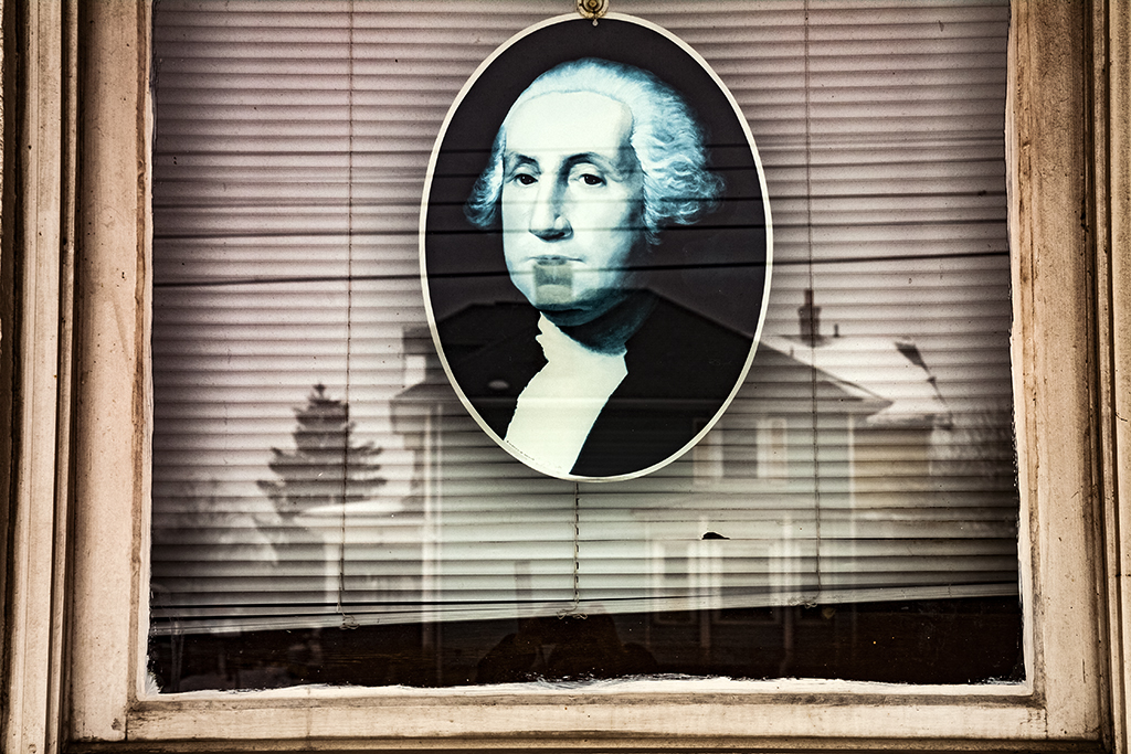 Washington-in-window-of-Franklinton-house--Columbus