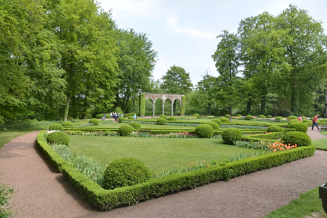 Un triangle du jardin flickr photo sharing - Toile jardin triangle ...