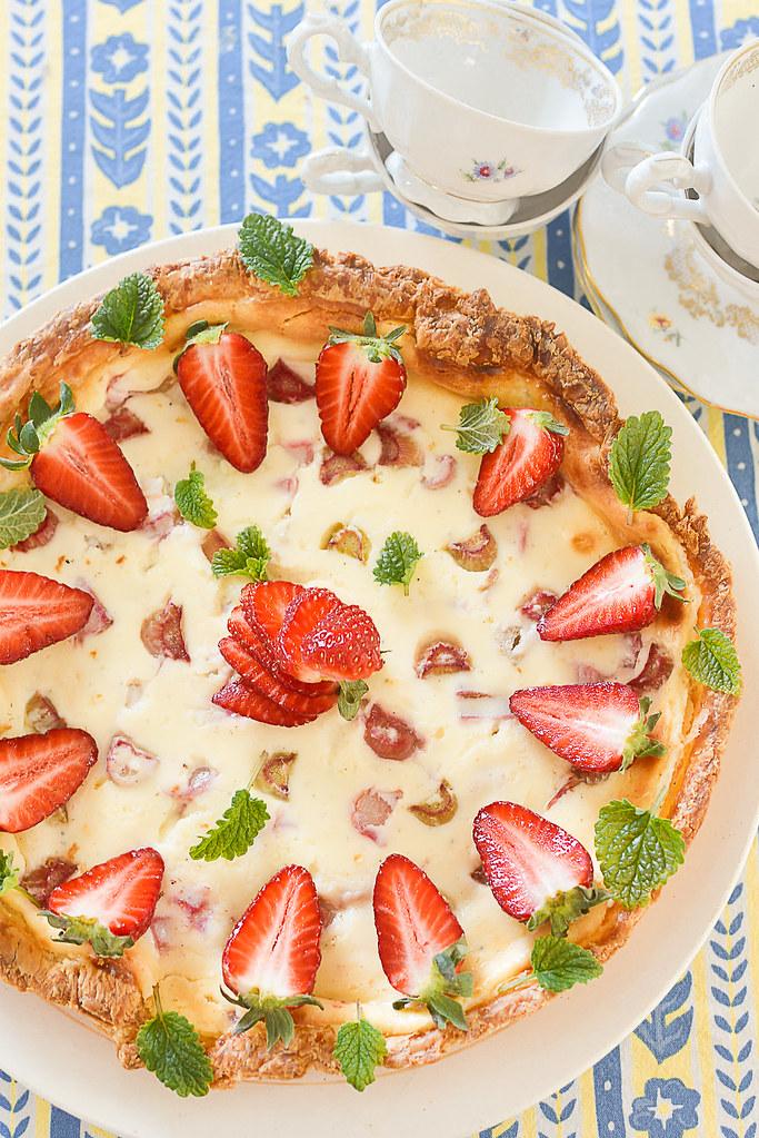 rabarbripirukas maasikatega