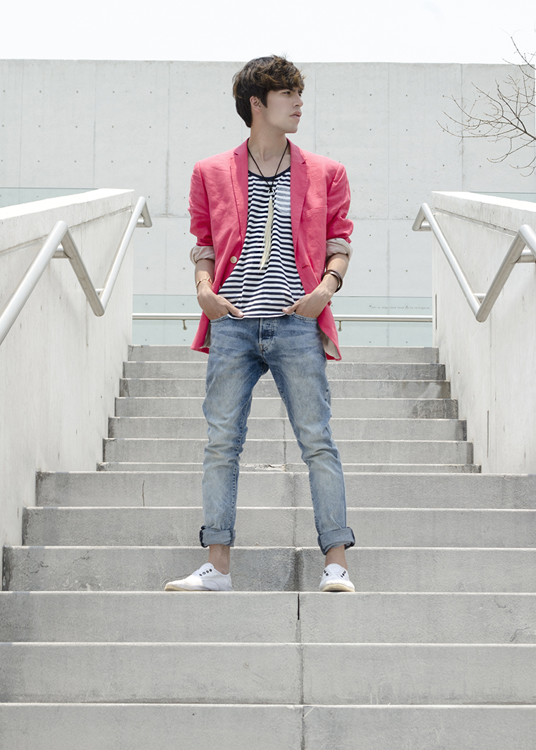 How to wear a bright blazer 2