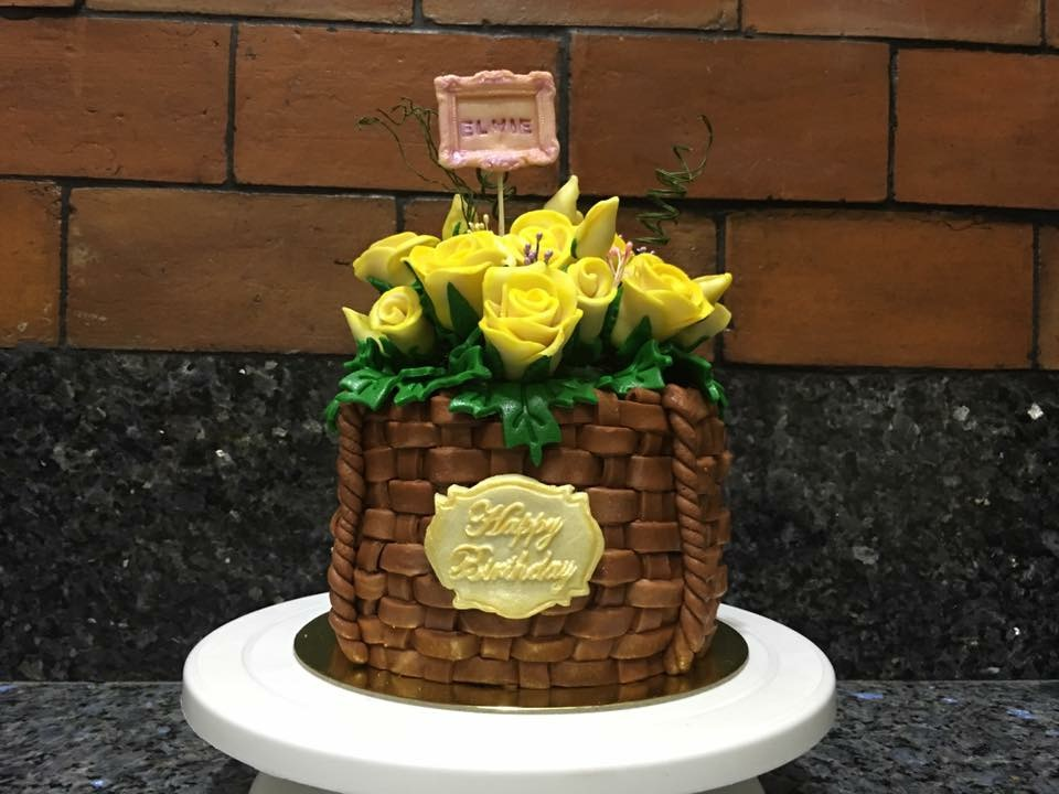 Milk Fonadant Rose BouqCake by Thei Pena of Sweets for Gifts