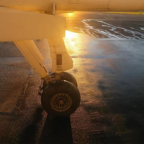 プロペラ機、久しぶりに乗ったなー。音が違うんだよね。あと、エンジンがシンプルな分、リアルにかっこいい。 #airnzjp #link_nz