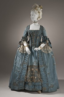Woman's_robe_a_la_française_with_metallic_lace_c._1765