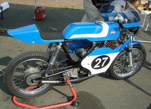 Motobécane 125 racing bleu by gueguette80