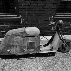 Scooter B&W