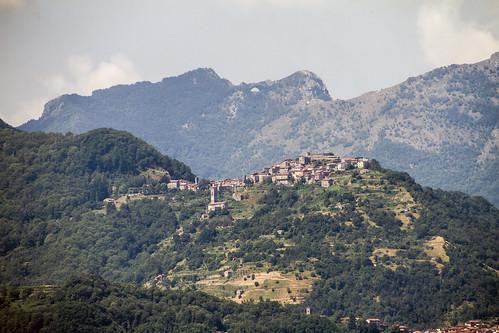Trassilico e il Monte Forato da Barga