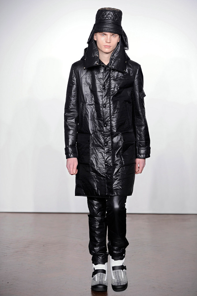 Timothy Kelleher3141_FW12 London JW Anderson(VOGUE)