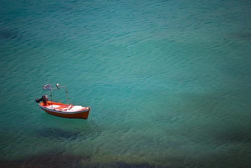 海洋永續,是我們必須面對的生存課題。圖為示意圖:海洋上的船隻 By Anton Sulsky