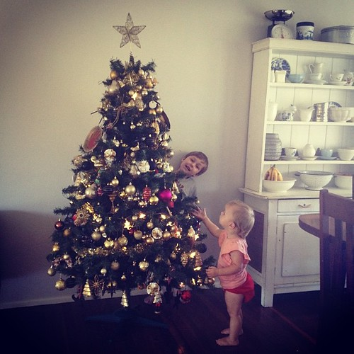 I do love putting up the tree with the little ones! #firstdayofchristmas #christmastree #hooray