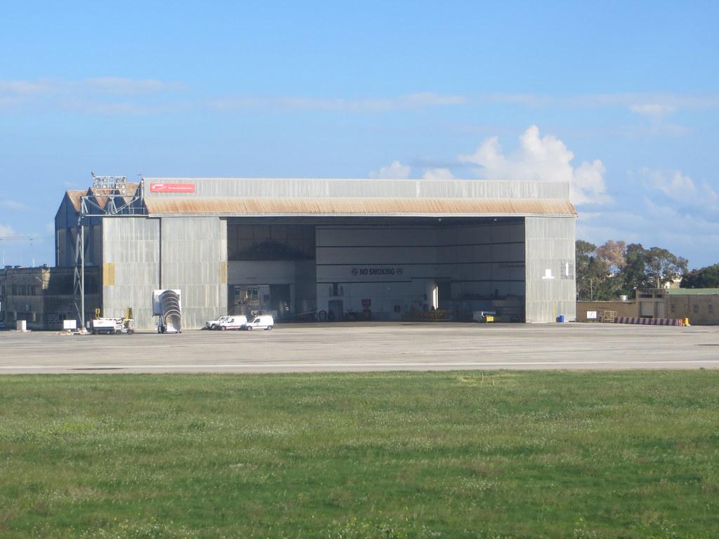 Malta (Valletta/Luqa) Airport (MLA / LMML) 11717594915_2ae09f40d8_b