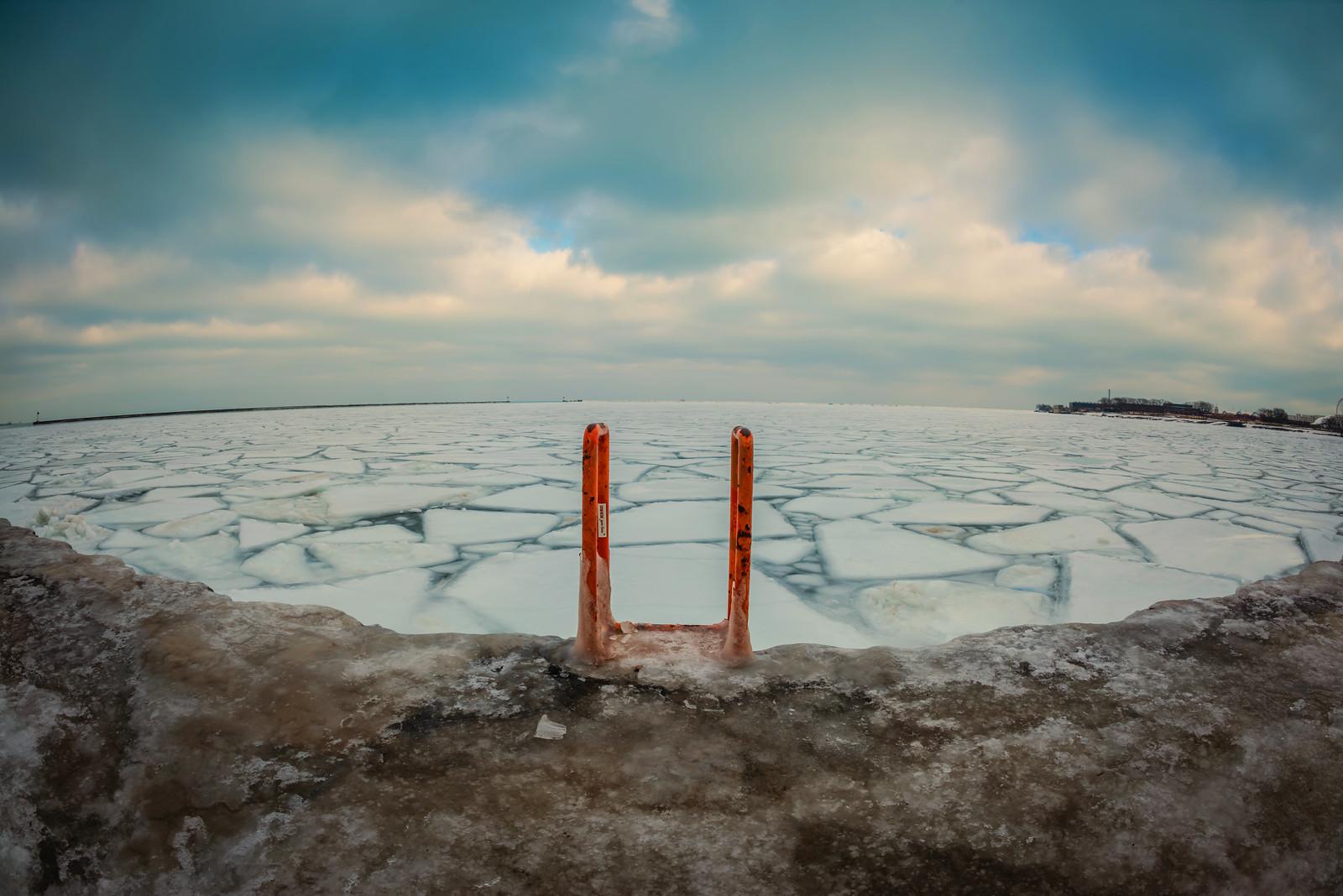photo ice on Lake Michigan