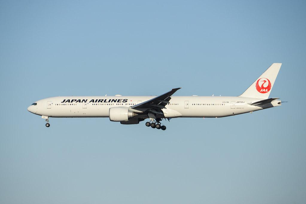 JAL 777-300ER JA733J