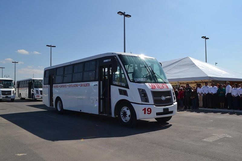 dina-runner-10-entrega-unidades-reynosa-tamaulipas_vision-automotriz-01