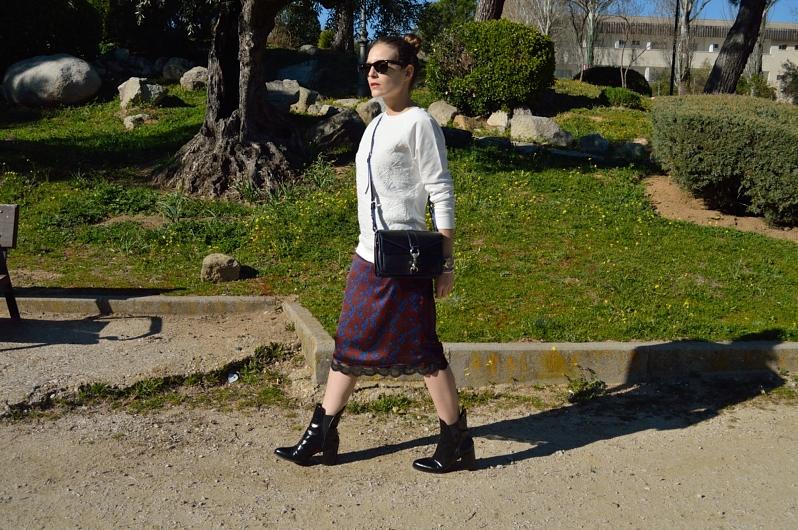 lara-vazquez-madlula-blog-midi-skirt-fashion-trends