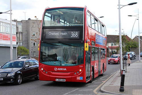 Arriva London T171 on Route 368, Chadwell Heath