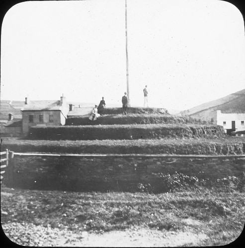 parliament flagpole mound vikings isleofman norse tynwald tynwaldhill thomasmayne lanternslides nationallibraryofireland stjohn'schurch cronkykeeillown masonphotographiccollection thomasholmesmason thomashmasonsonslimited thingmount laatinvaal turnwake stjohnsisleofman tinvaal