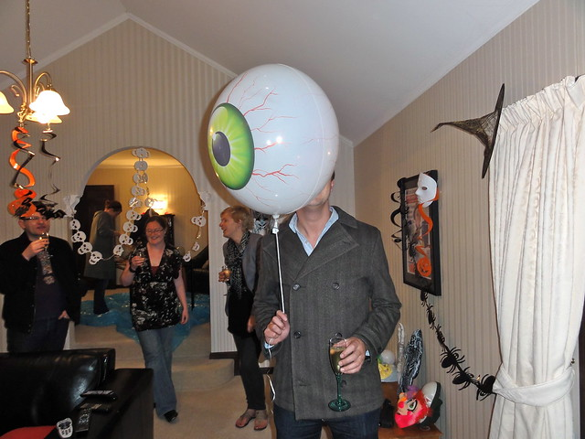 Halloween 2010 Eye Ball Balloon