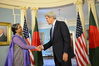 Secretary of State Kerry meets with Bangladeshi Foreign Minister Moni