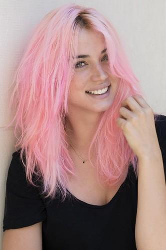 Ana de Armas pink Gemmasu