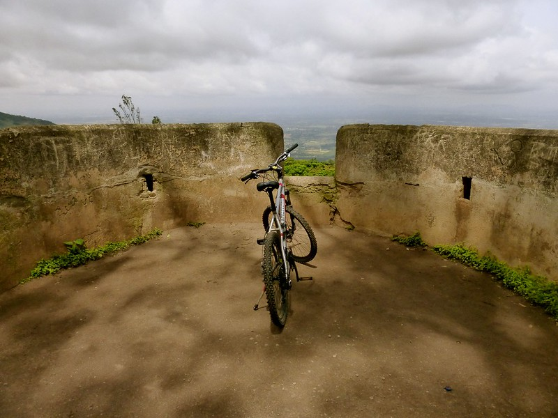 Cycling to Nandi Hills - bastion of the fort