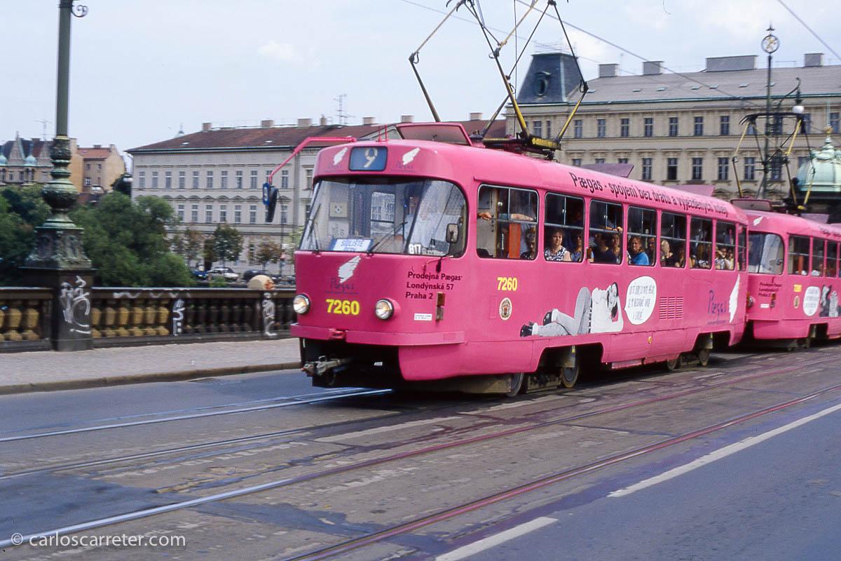 Tranvía en Most Legií