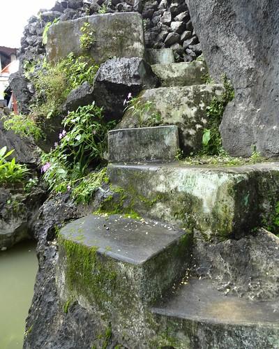 pagoda asia burma august tropical myanmar haan paan hpaan phaan kyaikkalat