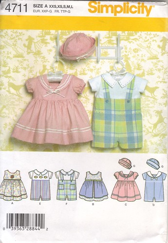 Simplicity 4711 Middy Outfit