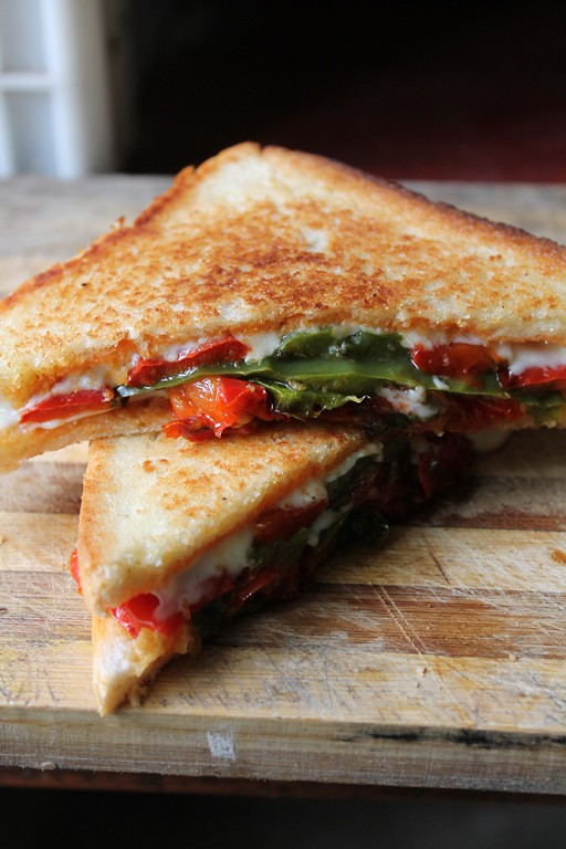 Grilled Cheese Sandwich with Roasted Peppers & Tomatoes - Yummy Tummy