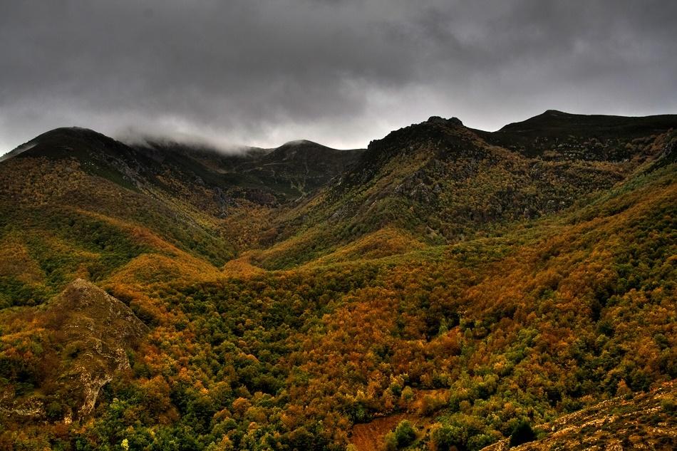 7. Montañas del Parque Natural, y otoño. Autor, Óscar Ramos