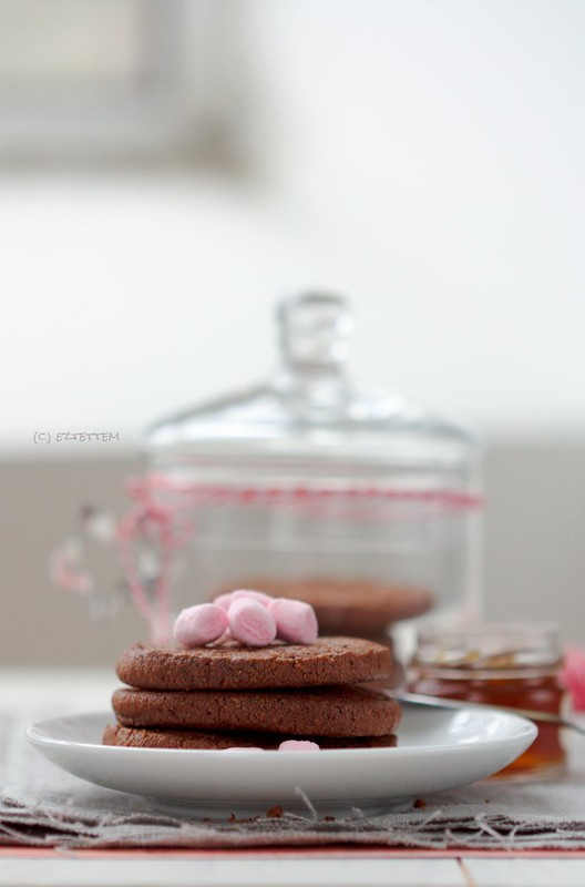 chocolate cardamom biscuit