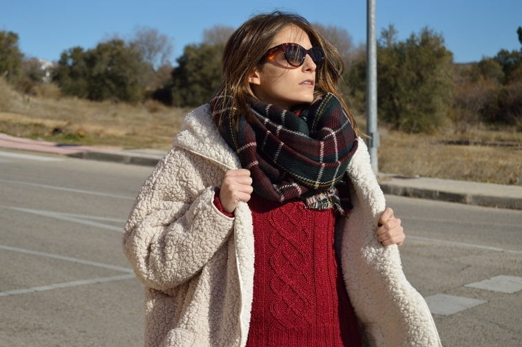 lara-vazquez-madlula-blog-streetstyle-chic-style-fashion-tartan-foulard