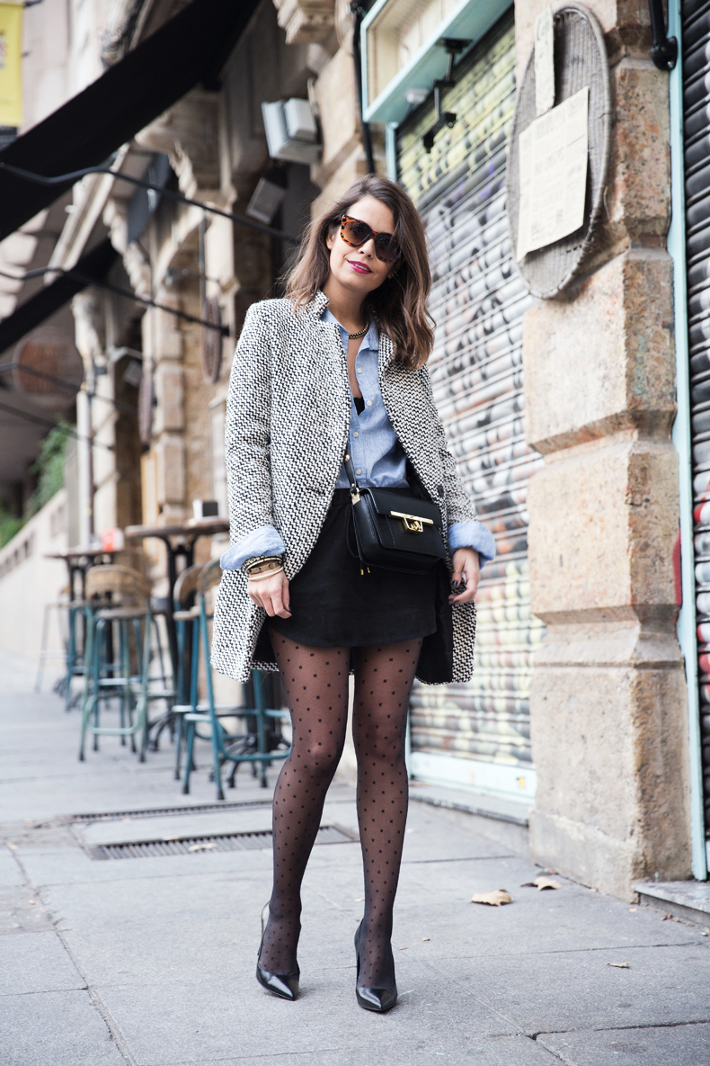 Suede_Skirt-Black_And_White_Coat-Street_Style-Outfits-Collage_Vintage-Plumetti-Wolford-46ç