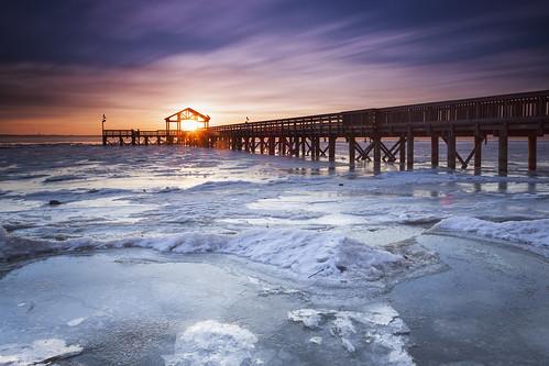 longexposure winter ice sunrise dawn virginia pier day cloudy framed sunburst potomacriver woodbridge dawnpatrol leesylvaniastatepark singhray bigstopper darylbensonrgnd pwwinter