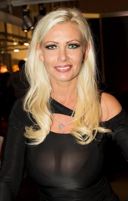 Vivian Schmitt Imdb