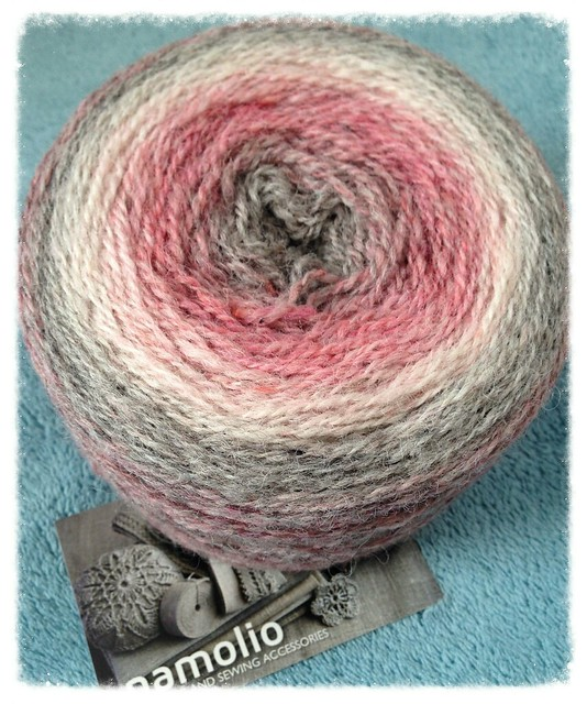 100% wool gradient yarn from Namolio