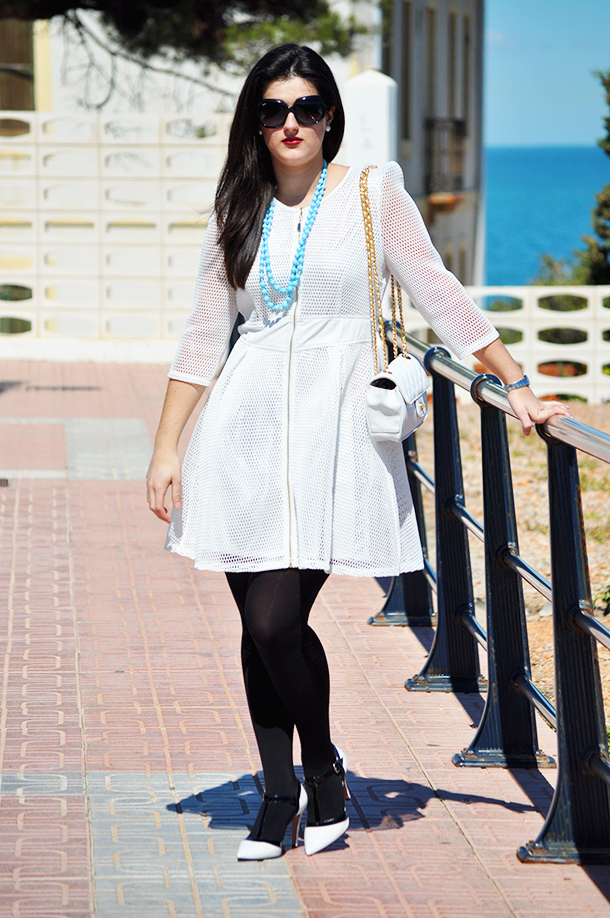 net fabric white dress fashion, something fashion blog valencia amanda r., oropesa del mar spain faro, fblogger gloria ortiz vintage rayban