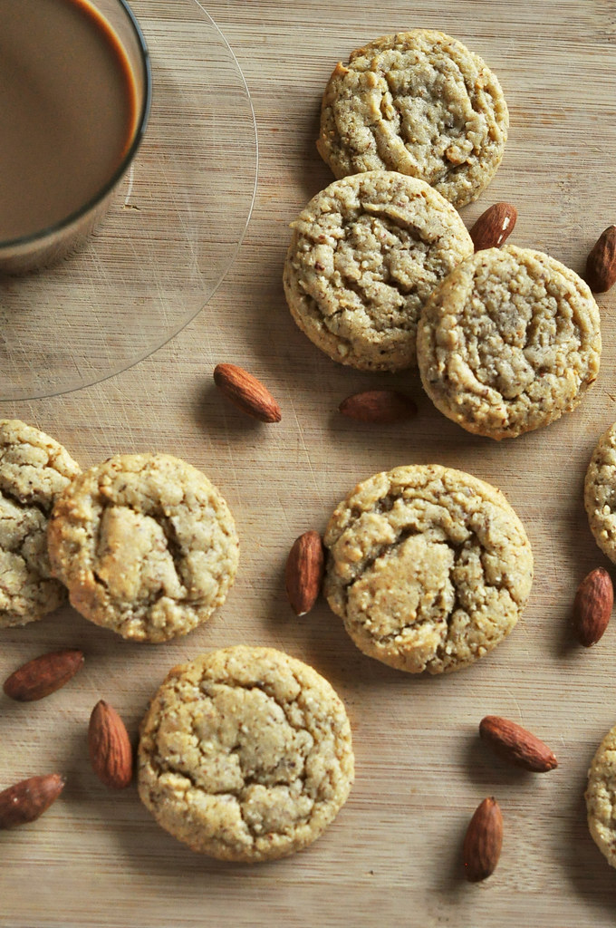 chewy almond cookies