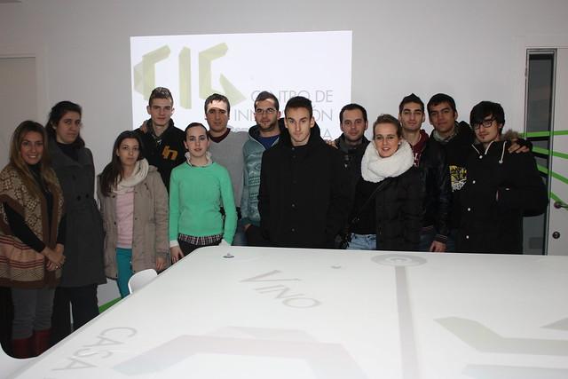 Foto de familia de los alumnos visitantes del CIG