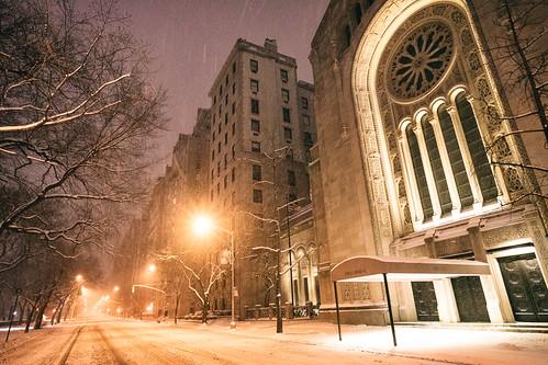 New York City - Snow - Winter Storm Juno - Empty 5th Avenue - Temple Emanu-el
