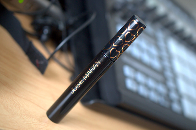 Mascara Monday: Josie Maran GOGO Instant Natural Volume Argan mascara