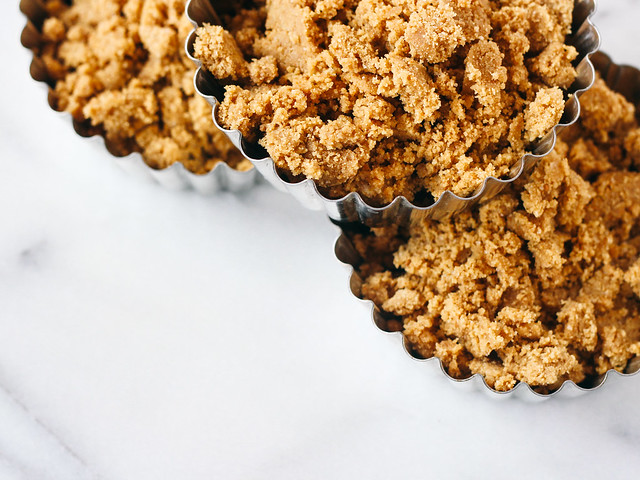 Graham cracker crumble