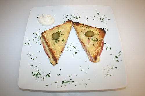 20 - Croque Monsieur - Serviert / Served